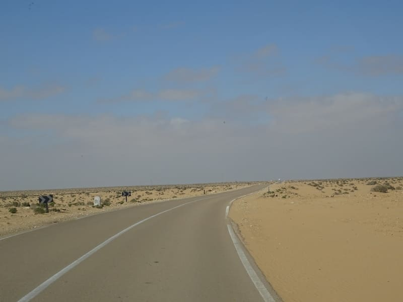 Entouré du désert !!