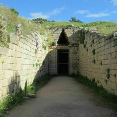Entree du tombeau a tholos de clytemnestre 3