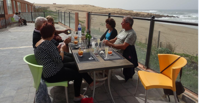 Le repas anniverssaire sur la terrasse