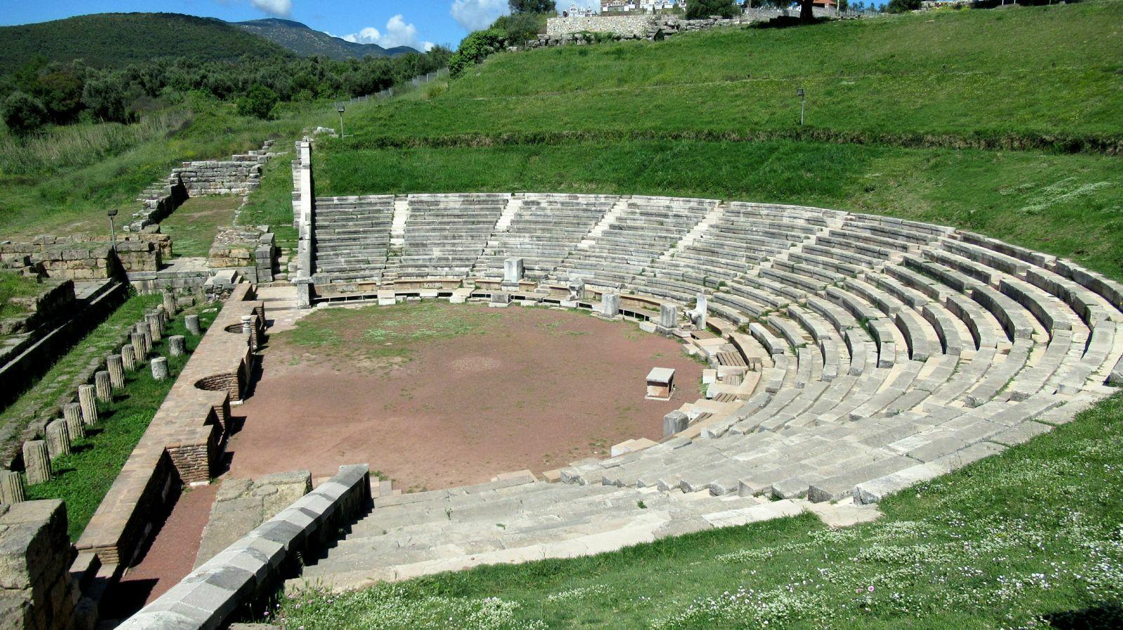 Le theatre 2